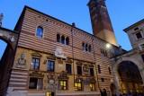 522 302 Verona Piazza Signori.jpg