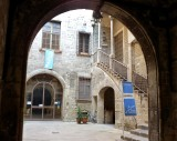 383 Picasso Museo Courtyard.jpg