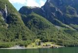 322 Naeroyfjord Norway in a Nutshell.jpg
