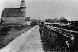 De Koog Texel  kerk 2 ramen circa 1910.jpg
