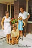 Mijn ouders, mijn broer en ik in juli 1970