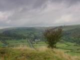 Knucklas  Castle  ruins , looking  north  to  Lloiney