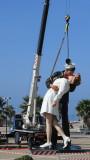 Homecoming kiss statue Civitavecchia.JPG