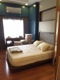 2BR for Sale in legaspi Village **