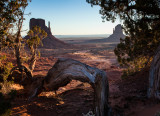 14-02 Monument Valley -3.jpg