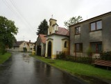 we drive slowly thru Bojenice, birthplace to another pair of twins in the family