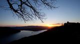 Dezember-Sonnenuntergang am Edersee