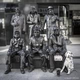 Living Statues - sie leben und bewegen sich wirklich, bis auf den Hund ;)