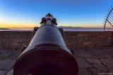 Bereit, zum Ritt auf der Kanonenkugel? Der Sonne entgegen. Sonnenaufgang auf Schloss Waldeck.