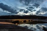 Die Aseler Brücke taucht aus dem Edersee auf (Edersee-Atlantis)