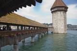 Le pont couvert Kapellbrücle et la tour octogonale Wasserturm.