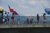 Le pont Schweizerhofquai (essayez de prononcer ce nom). En arrière plan le mont Engelberg.