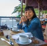 La terrasse de l'Hôtel Shangri-La, située sur les berges du Chao Phraya.jpg