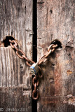 Cadenas dans la porte_Lock in the door