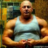 huge musclejock hot daddy.jpg