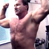 omg hot musclebear daddy.jpg