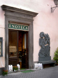 Orvieto Enoteca with a Michelangeli woodcarving