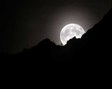 MoonNorthCascades111416.jpg