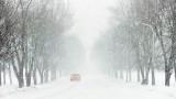 Car In Snowstorm DSCF12729-32