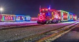 CP Holiday Train 2016 Both (P1150943)