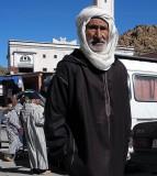 Il ya seulement des hommes sur le marché hébdomadaire de vendredi à Jamaa Idaoussemlal, Maroc