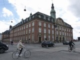 Hôtel de ville? / Town Hall?