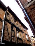 rue et maison à colombage