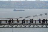 Le pont suspendu sur la chute