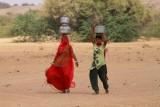 2014079099 Women Thar Desert.JPG