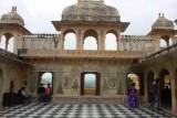 2014079639 Courtyard City Palace Udaipur.JPG