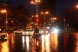 2014079737 Streets at night Mumbai.JPG