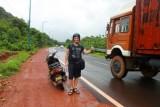 2014079811 Paul road to Ponda.JPG