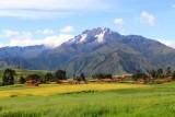 2016033509 Sacred Valley Peaks.jpg