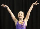 Laura, Compétition de nage synchronisée