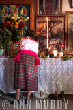Albertina Decorating the Altar