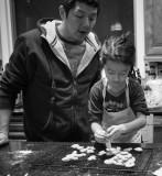 PC130123 Dad supervises