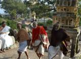 24_Thiruvallikeni adhyabagars happily climbing.JPG