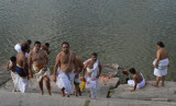 29_Adhyapagas performing evening sandyavandanam.JPG