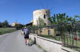 Hiking towards Amidoura
