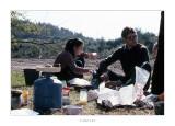Abril 1981 · Vall del Roncal, Navarra. Començant el matí, Mari Angels i Michel