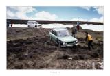 Abril de 1985. Valle de Belagua (Navarra). El cotxe de l'amic Toni encallat en el fang