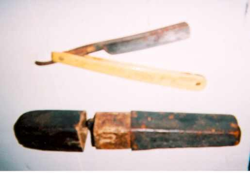 Gen. Mark Willcoxs Razor And Case - Dated 1830