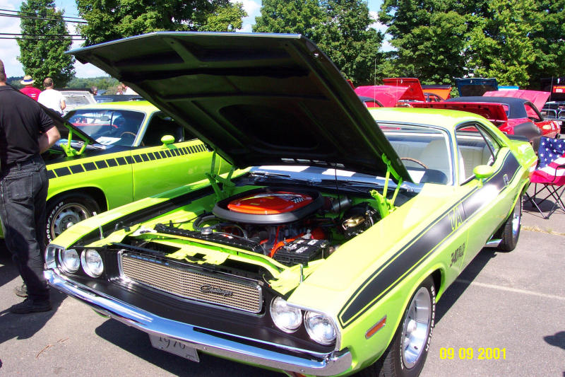 Dodge Challenger 70 Green