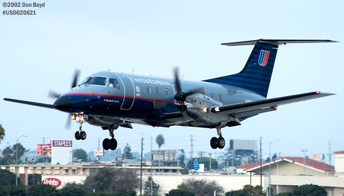 United Express (Skywest) EMB-120ER N223SW aviation stock photo