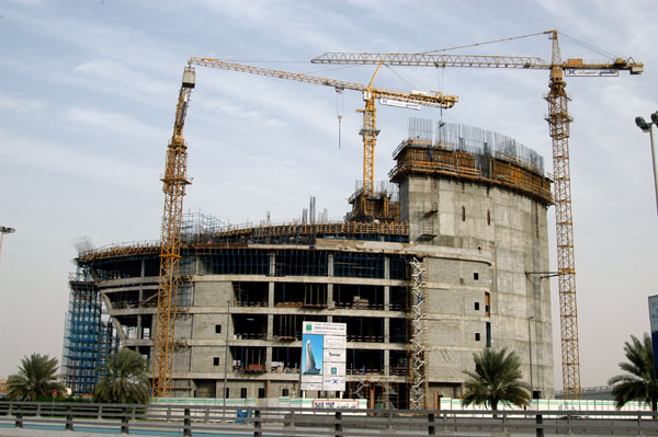 Etisalats new tower on the Trade Center Roundabout