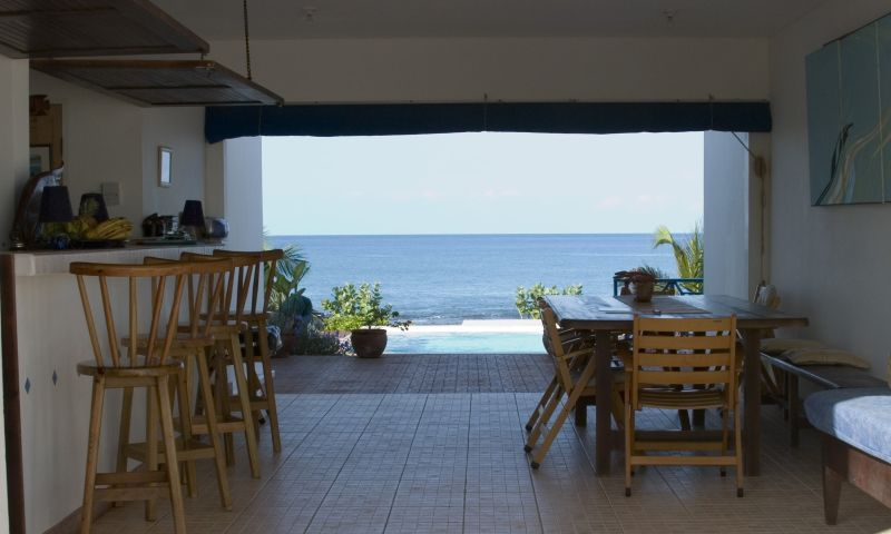 Lobby & Bar at Mar Blue