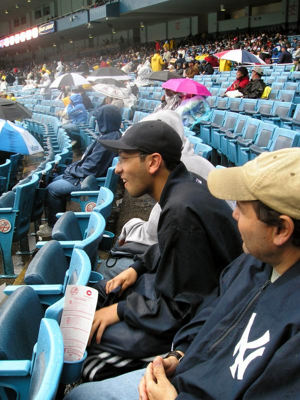 Yankee Local Fans on The Right.jpg
