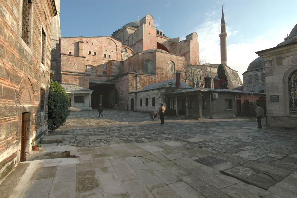 Istanbul Aya Sofya view to entrance
