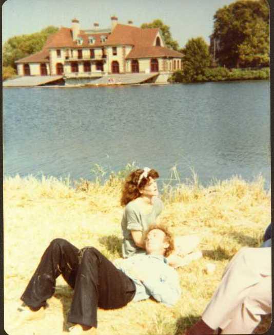 Gene and Gilda - 1981082804
