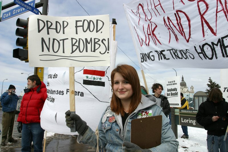 Drop Food not Bombs.jpg